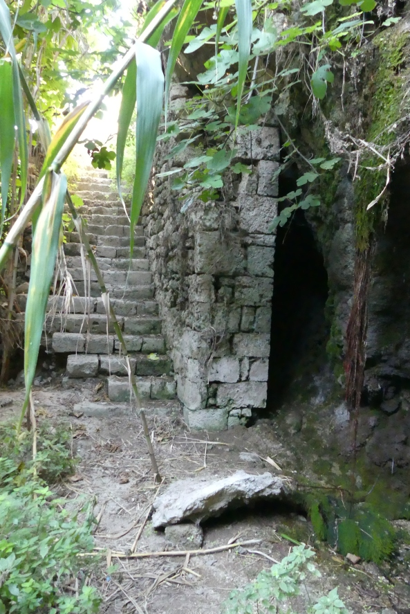 Adelphi Springs, Corinth