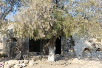 Cave chapel, Haraki