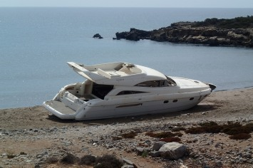 The walk from Mavros Kavos to Prasonisi (the story of the boat - stolen from a boatyard in Turkey where it was being repaired, it was towed to Rhodes full of migrants - not sure if this is true or not