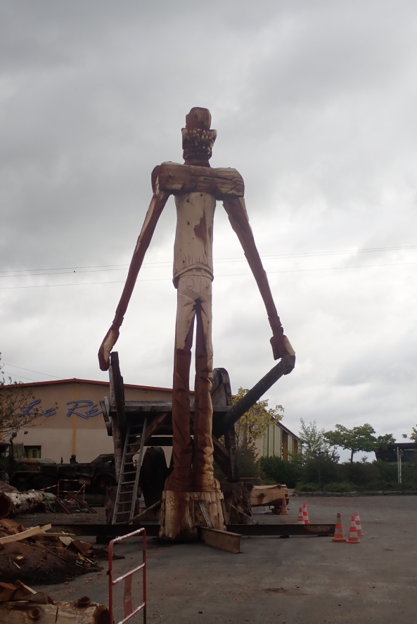 Bizarre giant wooden statue in the middle of nowhere, France