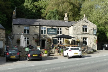 Ladybower pub stop